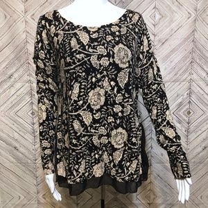 Lucky Brand M vintage rose layered knit top